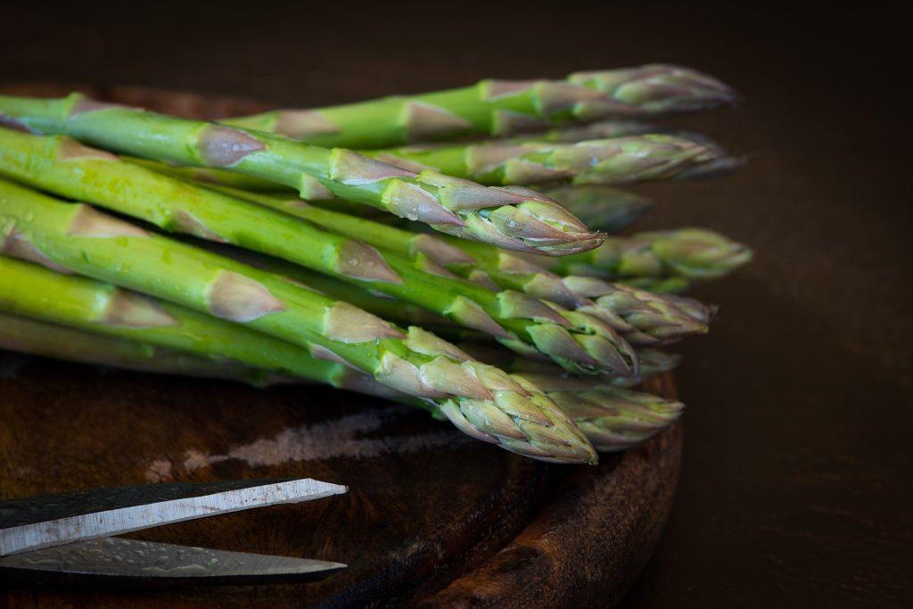 6 razones para comer espárragos y como cocinarlos