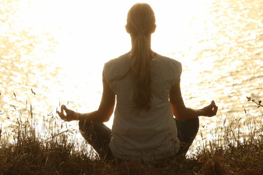 beneficios emocionales del yoga