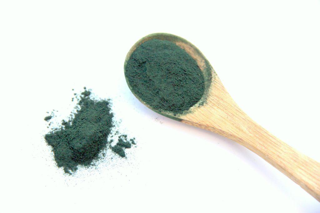 Propiedades beneficios y usos del alga espirulina